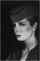 """Daniele Dolfi """"Figura con cappello e veletta"""" – Sez. Stampe BN Cat. Ritratto e figura 1° Premio"""