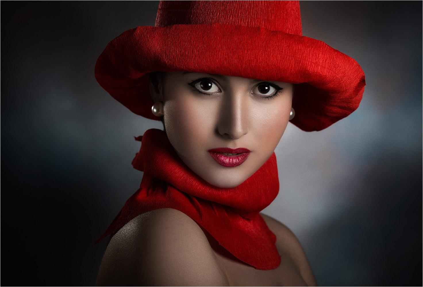 "Tambè Giuseppe \""The woman in red (2019)\"" Immagini digitali (CL)"