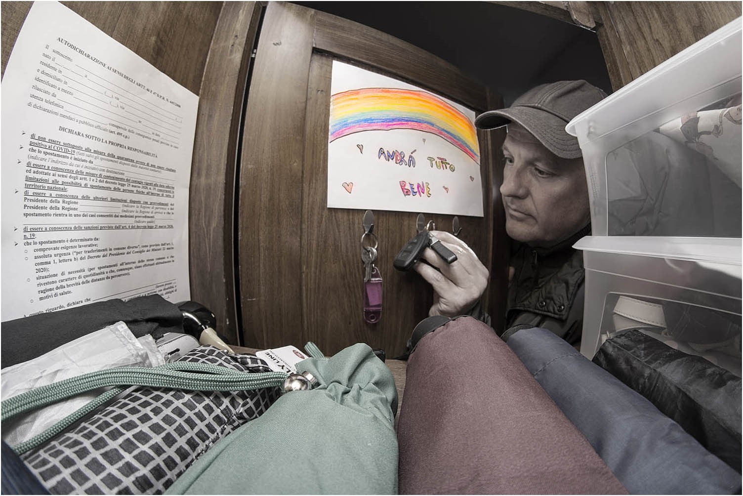 """Paolo Pedelini """"Phaseone, sopravvivenza ai tempi del lock-down 01"""" (2020) - Sez. Portfolio (LB)"""
