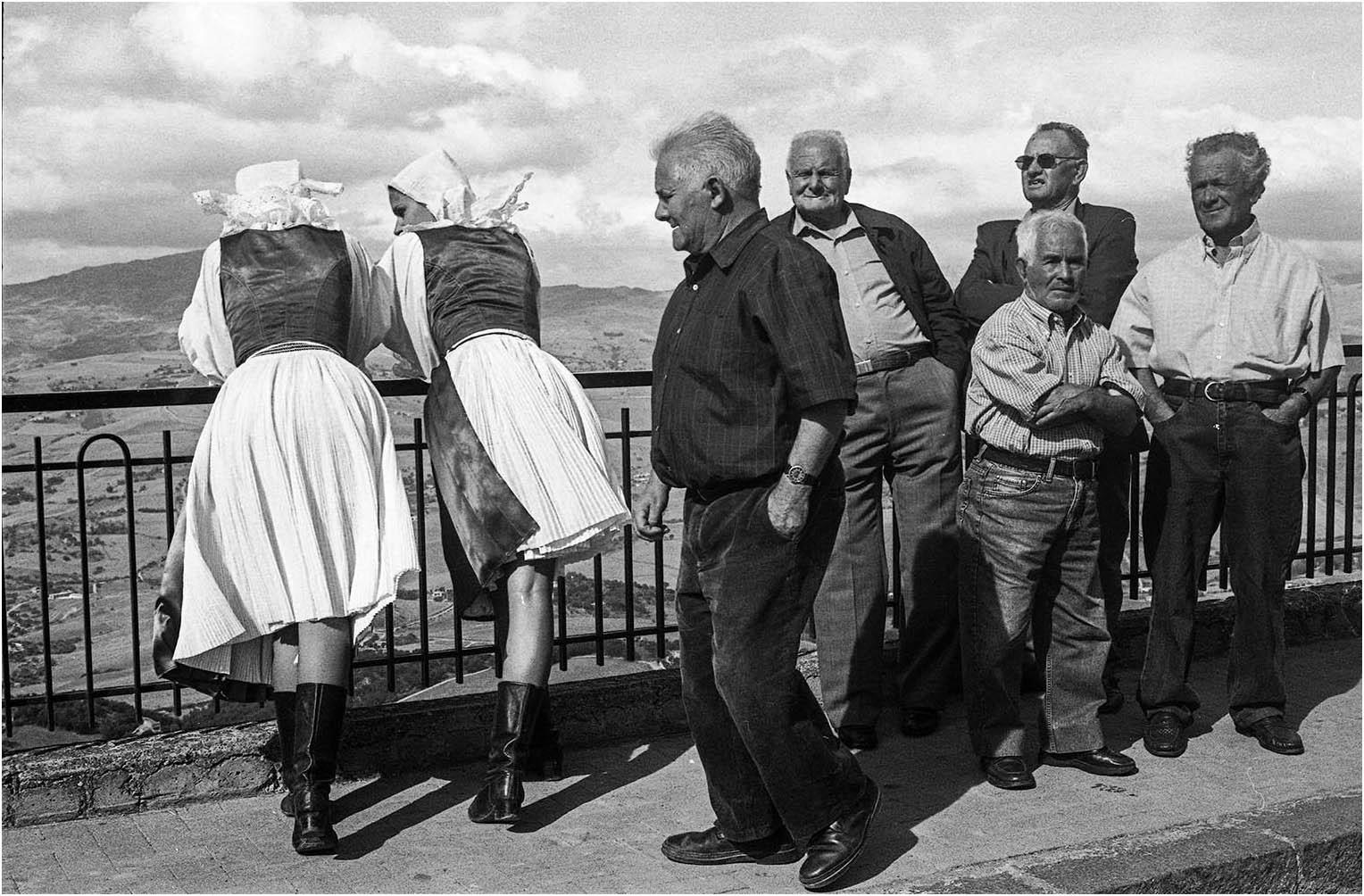 "Sabella Giuseppe ""Lo sguardo"" (2020) - Sez. IP Street photography (ST)"